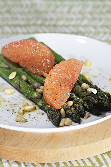 Food and Style - Roasted asparagus with pink grapefruit and lemon infused oil