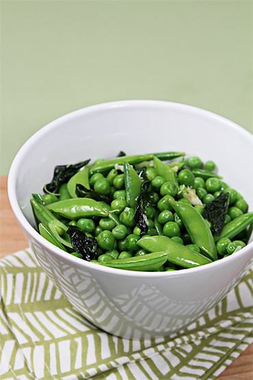 Food and Style - Fresh peas with basil and mint