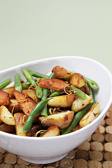 Food and Style - Sautéed haricots verts with baby red potatoes and lemon zest