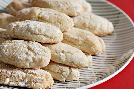 Sienese almond cookies