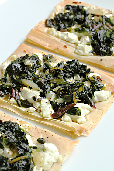 Food and Style - Fresh goat cheese tarts with ramps and lemon zest