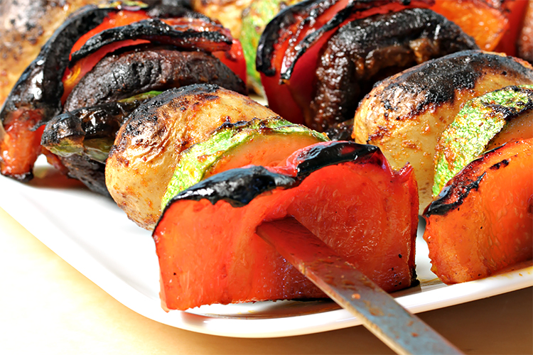 Vegetable brochettes with pimentón marinade