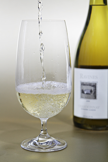 Pouring Ravines Chardonnay 2008