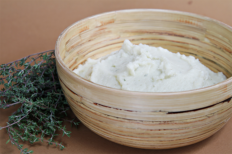 Cauliflower purée with parmesan and thyme
