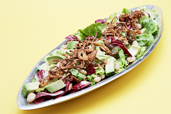 Radicchio salad with cannellini beans and avocados