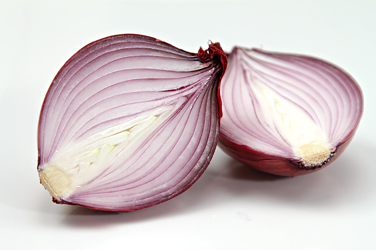 Balsamic-roasted red onions | Recipe | Food & Style