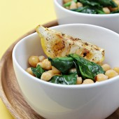 Wilted spinach and chickpeas with grilled lemon