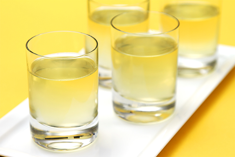 Meyer lemon liqueur (homemade limoncello)