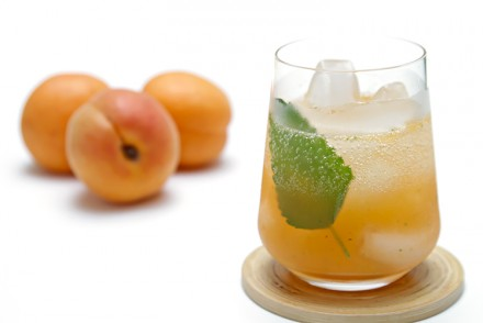 Apricot Mojito with lemon balm