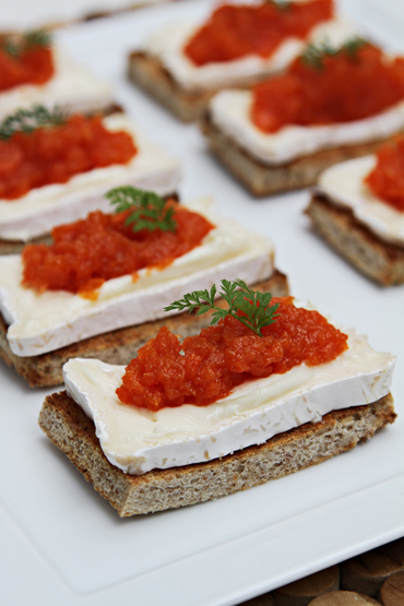 Pullman toasts with carrot jam and triple crème cheese