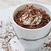 Cognac-Chocolate mousse in espresso cups | Food & Style