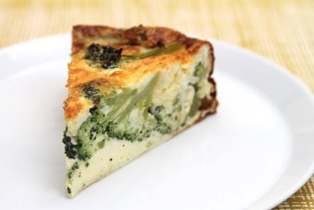 Broccoli and clothbound cheddar torta