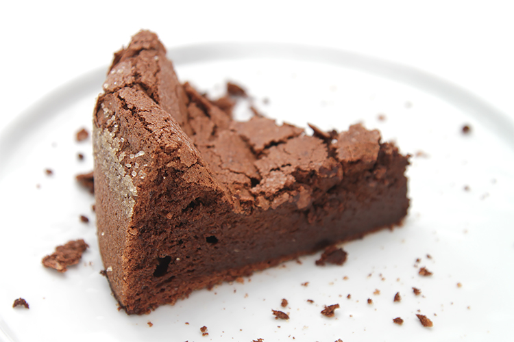 Flourless chocolate-bourbon cake | Recipe | Food & Style